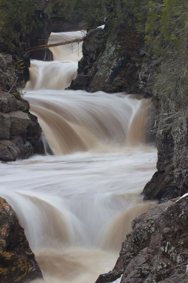 Cascade Falls North Shore